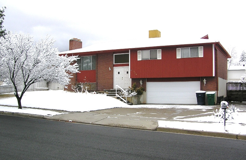 Exterior view of Classic Ski Homes.