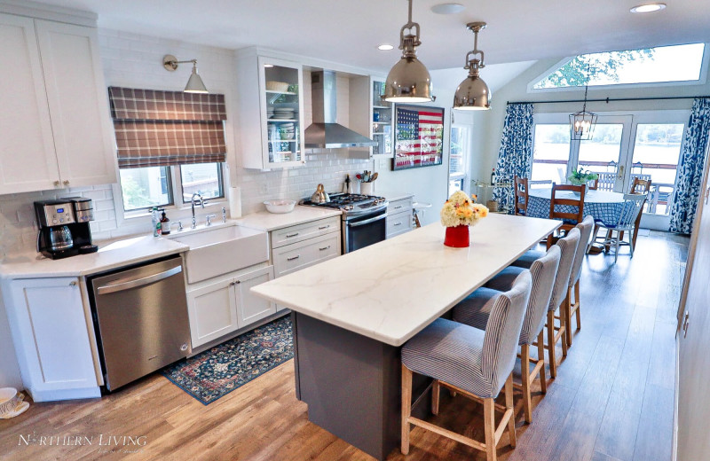 Rental kitchen at Northern Living - Luxurious Vacation Rentals.