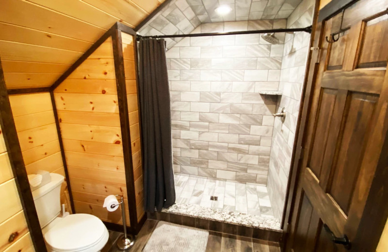 Rental bathroom at Northern Living - Luxurious Vacation Rentals.