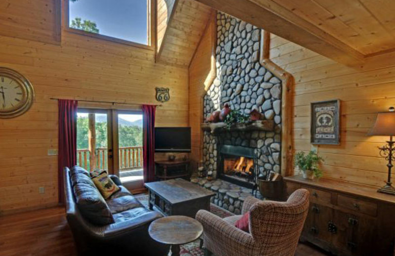 Cabin living room at Mountain Top Cabin Rentals.