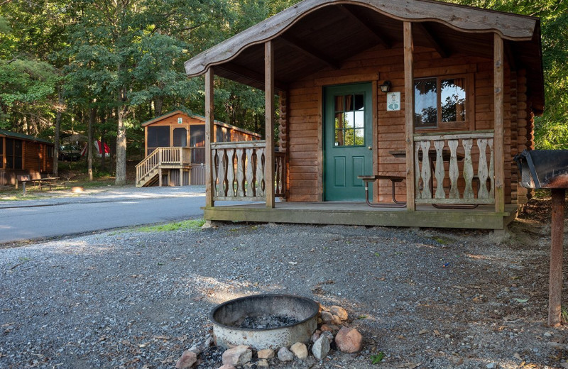 Cottage exterior at Yogi Bear's Jellystone Park™ in Luray, VA.