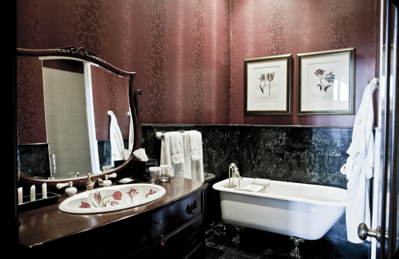 Guest bathroom at The Wheeler Mansion.