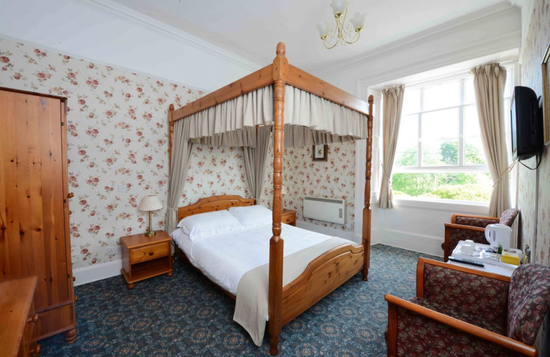 Guest room at Dall Lodge Country House Hotel.