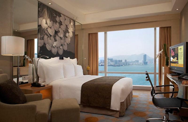 Guest room at Renaissance Harbour View.