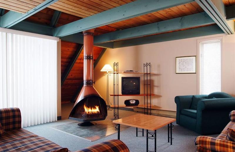 Guest living room at Club Vacances Toutes Saisons.