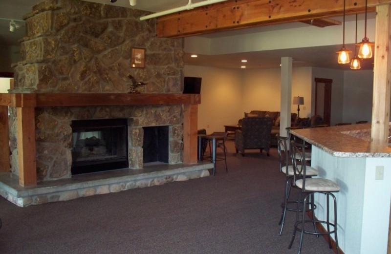 Lodge living room at Canyon Lake Resort.