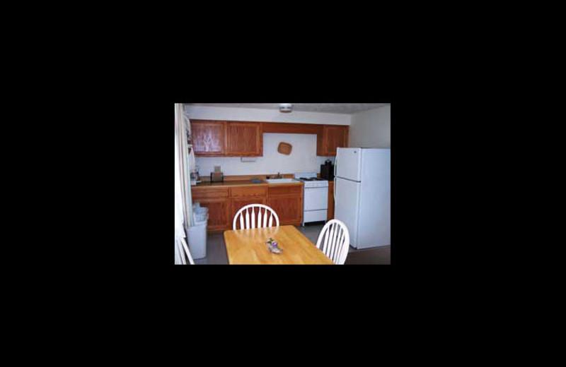 Kitchenette room at Driftwood Resort.