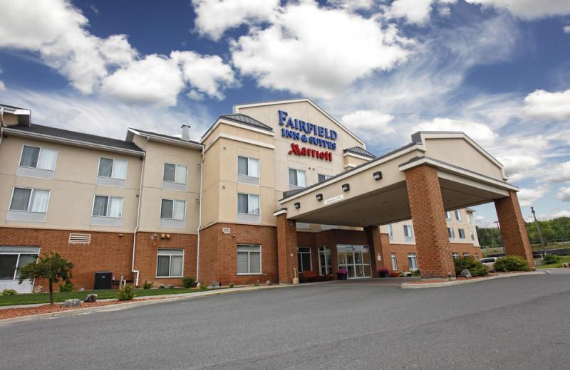 Exterior view of Fairfield Inn & Suites Sudbury.