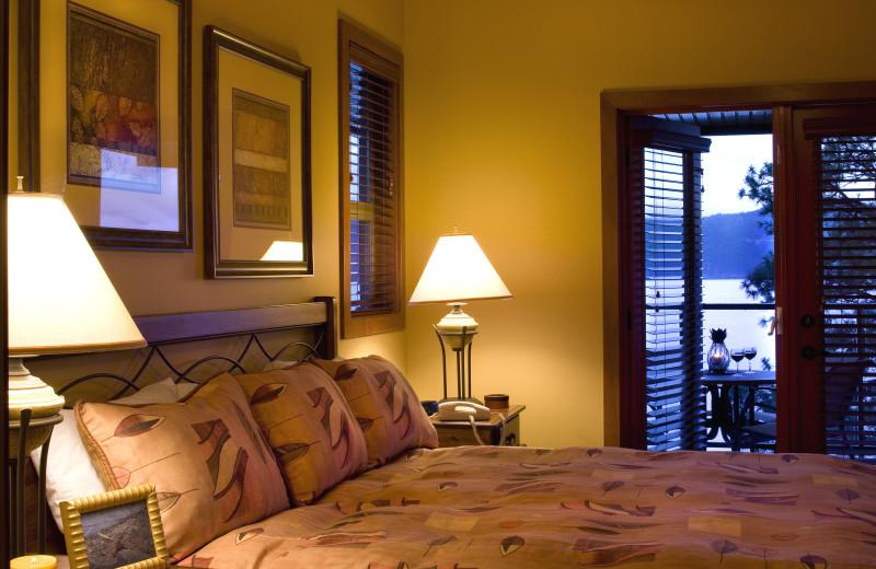 Bedroom at Lake Okanagan Resort