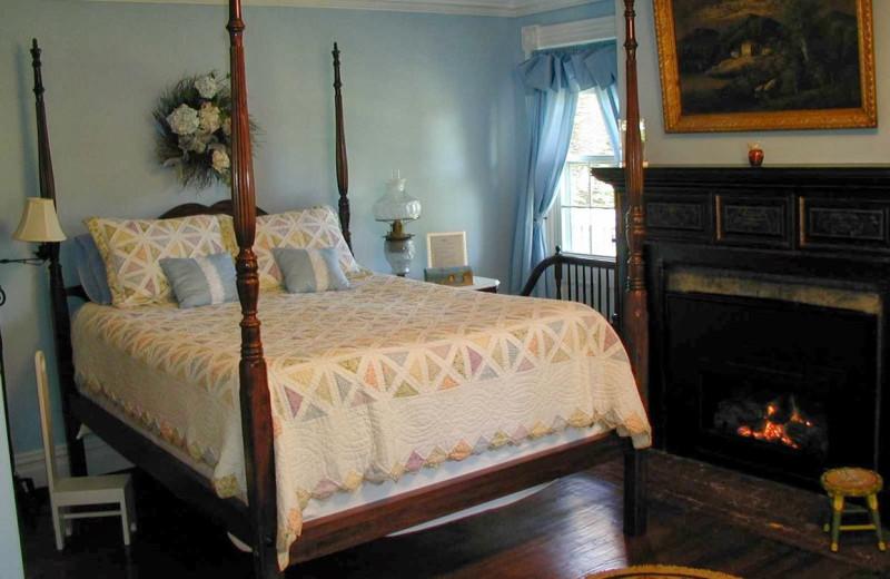 Guest room at Apple Valley Inn.