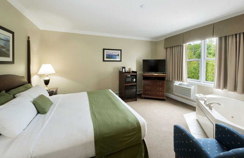 Guest Room at Steele Hill Resort