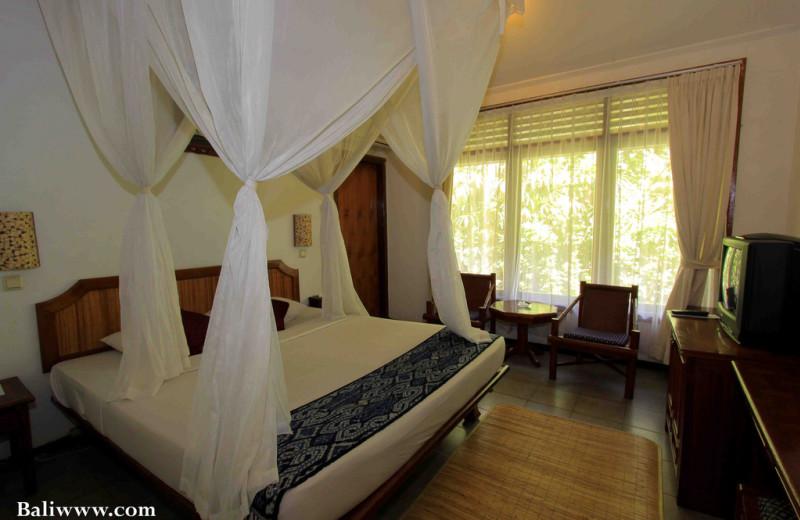 Guest room at Hotel Aneka Kuta.