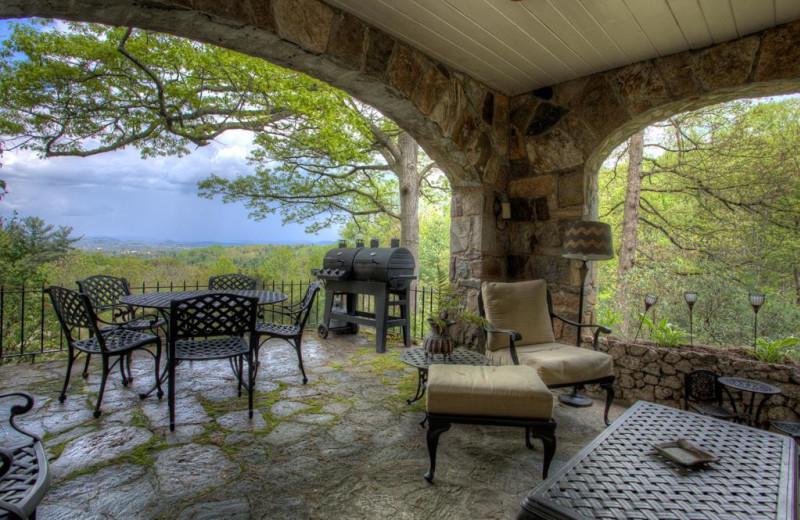 Rental patio at Yonder Luxury Vacation Rentals.