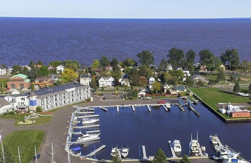 Park Point Marina Inn