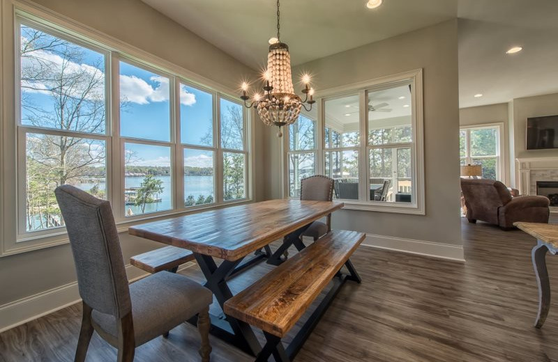 Rental dining room at StayLakeNorman Luxury Vacation Rentals.