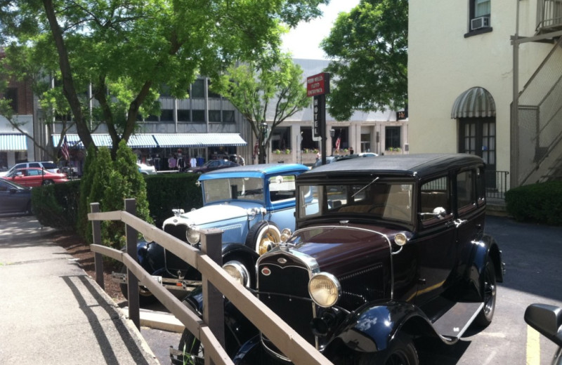 Old cars tour at Penn Wells Hotel & Lodge.