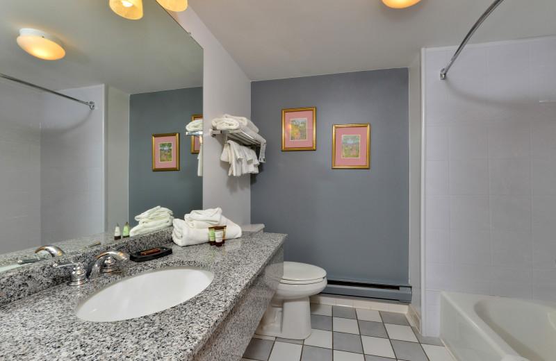 Guest bathroom at Acadia Inn.