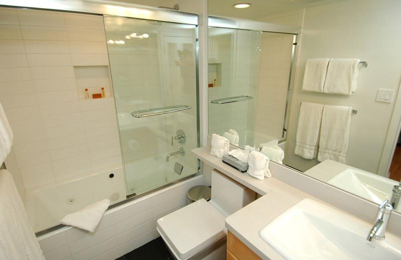 Rental bathroom at Frias Properties of Aspen - Fifth Avenue #5.