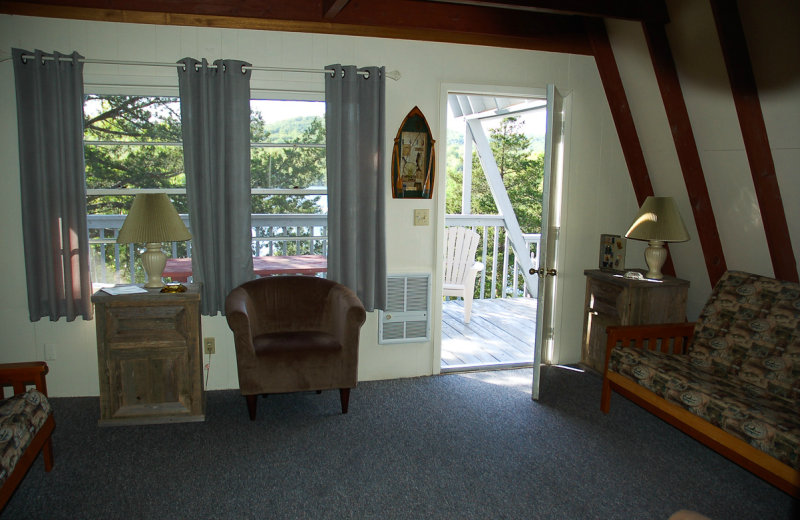 Cabins living room at Alpine Lodge Resort.