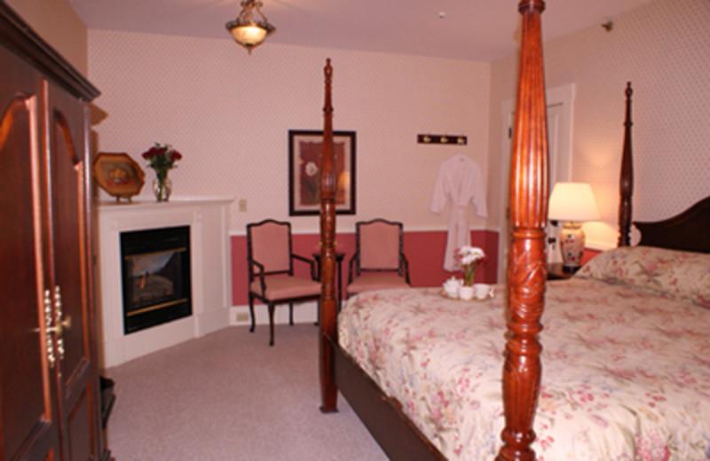 Interior View at Echo Lake Inn