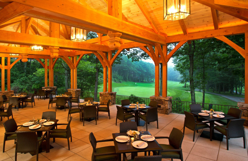Patio dining at Wintergreen Resort.