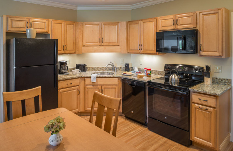 Guest kitchen at Steele Hill Resorts.