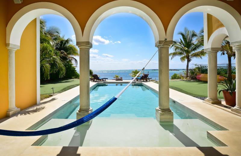 Rental pool at Cancun Villa Rentals.