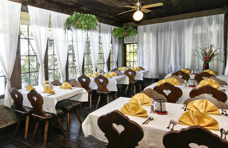Dining area at Spicer Castle Inn.