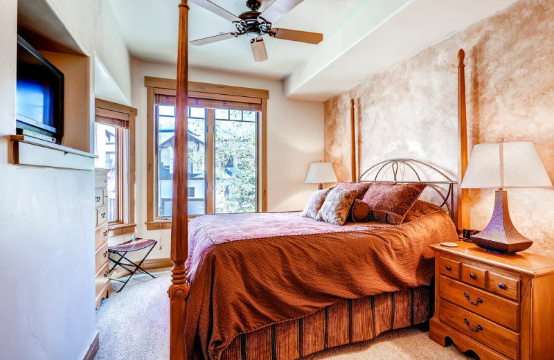 Rental bedroom at EagleRidge Lodge.