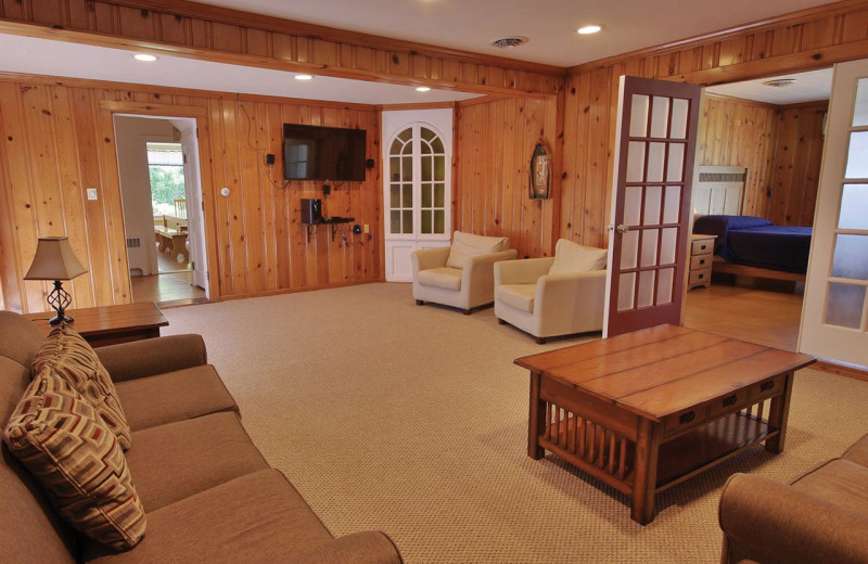 Cottage living room at Yogi Bear's Jellystone Park™ in Luray, VA.