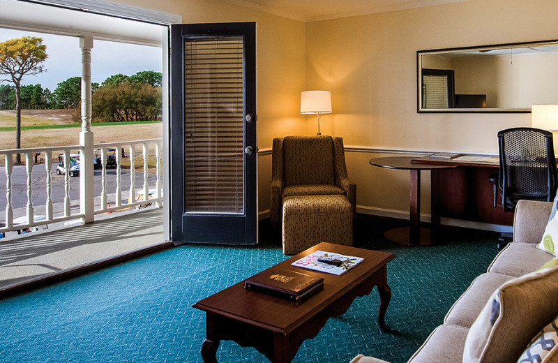 Guest room at Beau Rivage Golf & Resort.