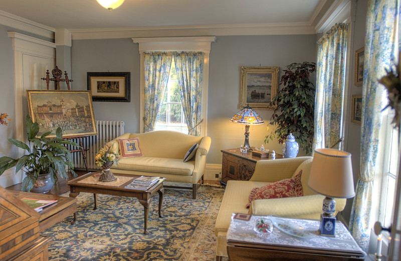 Living room at Camden Maine Stay Inn.