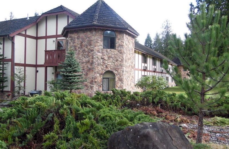 Exterior view of Packwood Lodge.