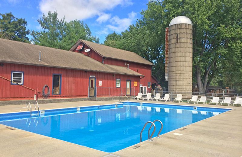 Outdoor pool at Yogi Bear's Jellystone Park Gardiner.