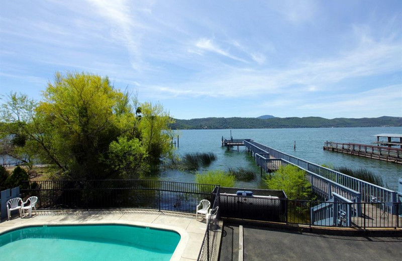 Outdoor pool and docks at Americas Best Value Inn and Suites Clearlake.