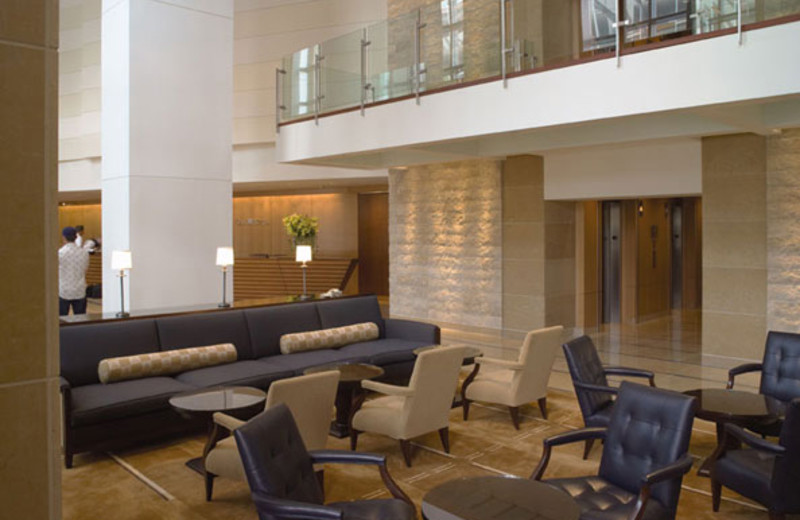 Main lobby at Omni San Diego Hotel.