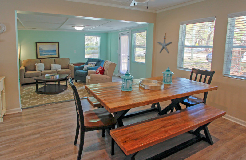 Dining room at 21st Ave 37.