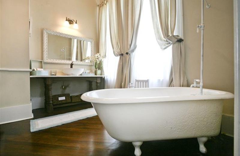 Rental bathroom at The House Company.
