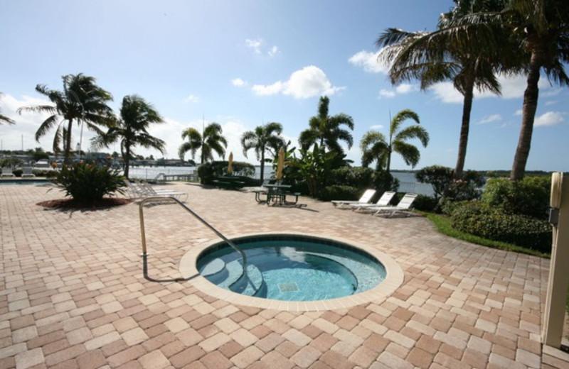 Hot tub at Boca Ciega Resort.