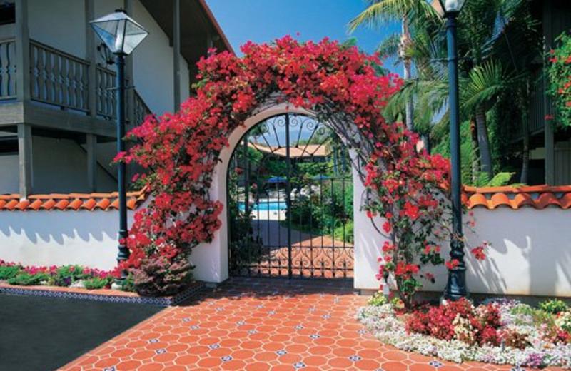 Entrance to Pepper Tree Inn