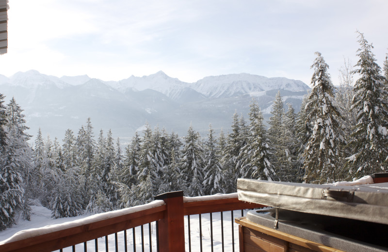 Rental balcony view at Cedar House Restaurant & Chalets.