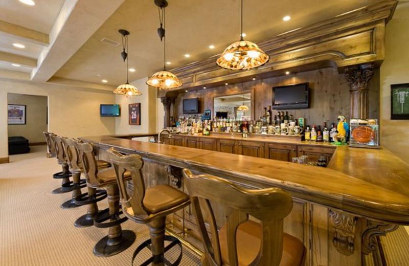 Rental Home Bar at Triumph Mountain Properties