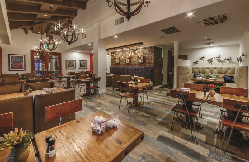 ArteZania Kitchen & Cantina features stunning Southwest décor and a variety of delicious appetizers, entrées, and specialty beverages to delight every guest.