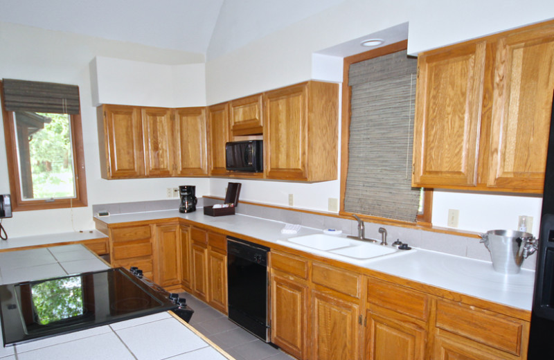 Guest kitchen at Boulder Brook on Fall River.