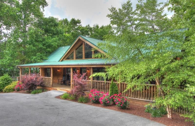 Cabin exterior at Oak Haven Resort.