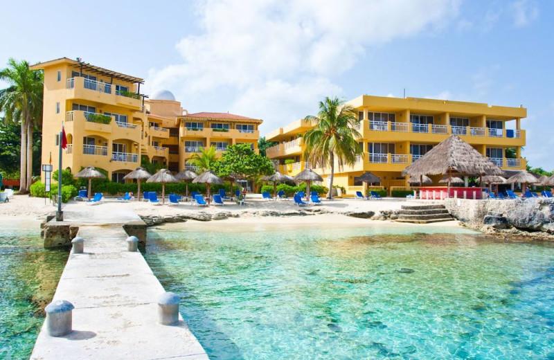 Exterior view of Playa Azul Hotel.