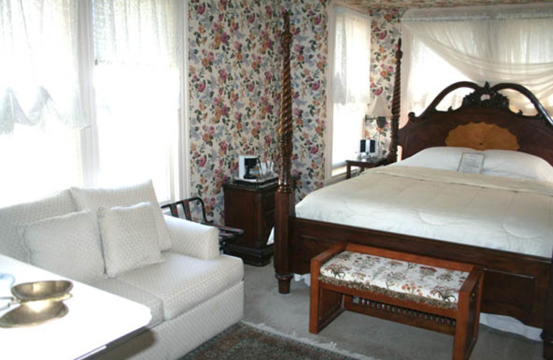 Guest room at Bradford Place Inn & Gardens.