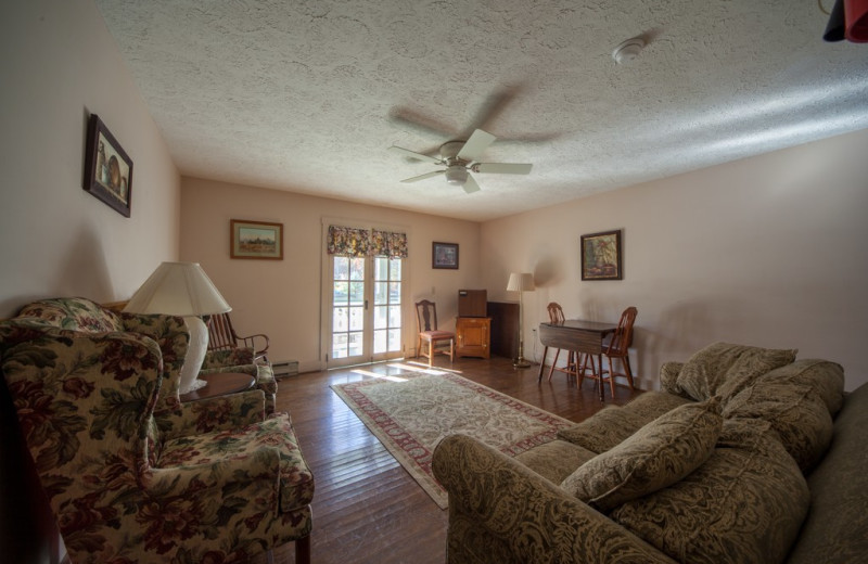 Guest living room at Capon Springs & Farms.