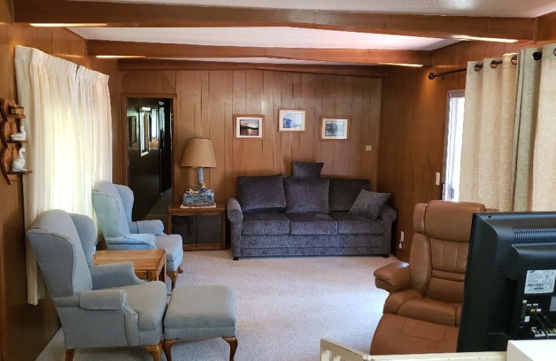 Cabin living room at Silver Beach Resort.