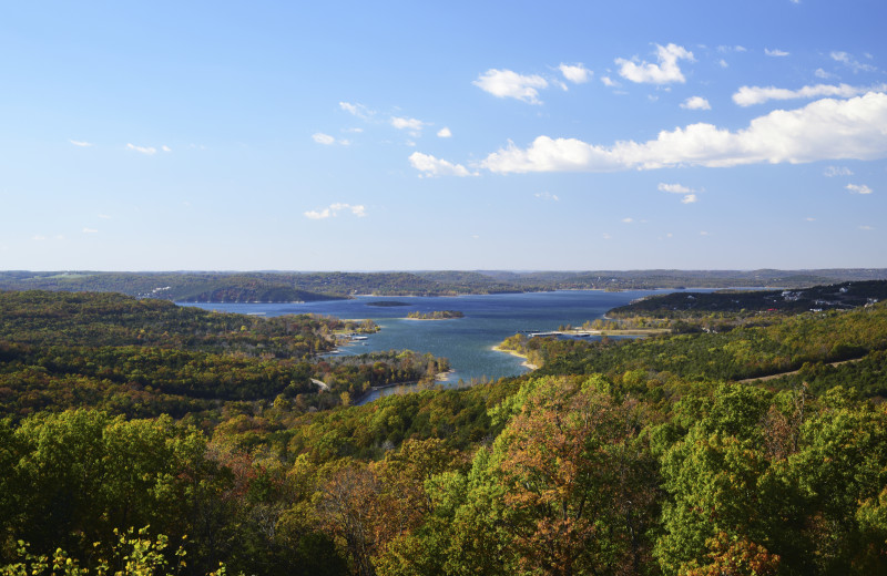 Lake near Amazing Branson Rentals.